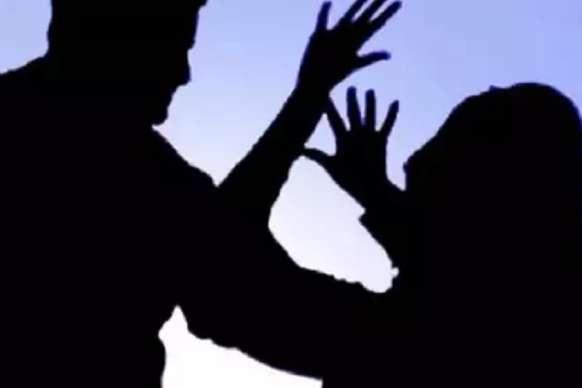यौन उत्पीड़न का आरोपी पिता पुलिस हिरासत में