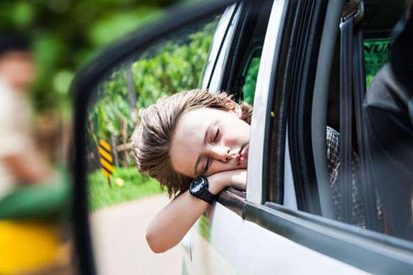 क्या आपको भी होती है कार में बैठने पर घबराहट...