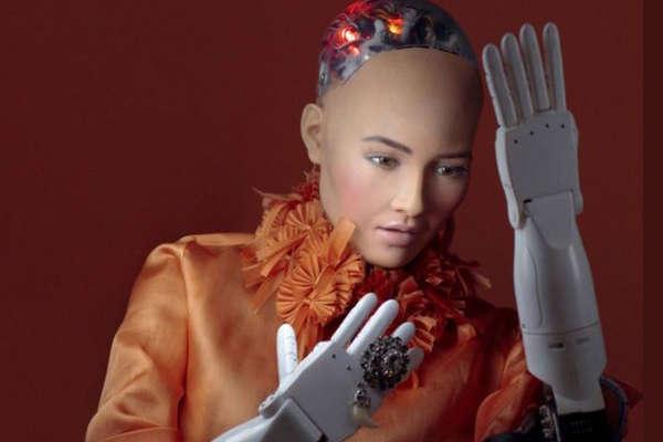 फैमिली प्लानिंग करना चाहती है सऊदी की पहली रोबोट नागरिक
