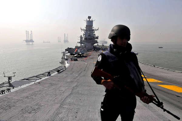 पुराने जहाज, कमजोर हथियार और बजट में कटौती से कैसे मजबूत होगी भारतीय सेना?