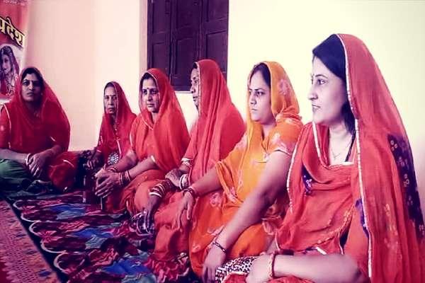 करणी सेना का ऐलान, चित्तौड़ के किले में राजपूत महिलाएं करेंगी जौहर