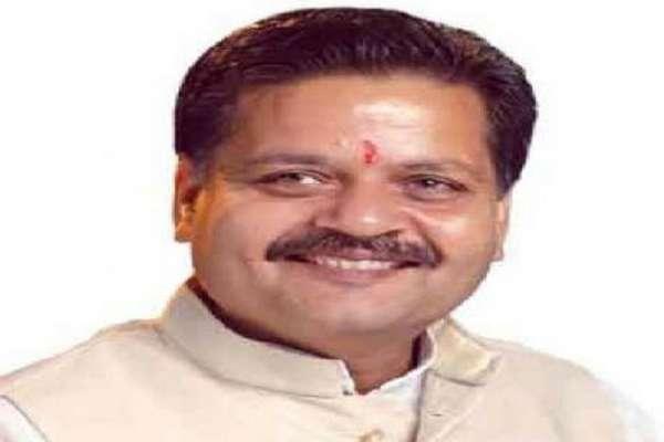 BJP मंत्री की बहू का सुसाइड केसः 24 घंटे से पोस्टमार्टम रूम में रखा है शव