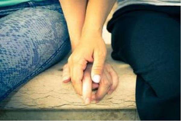 'प्यार की खातिर' लड़की ने लड़का बनकर रचाई शादी, इस तरह खुला भेद