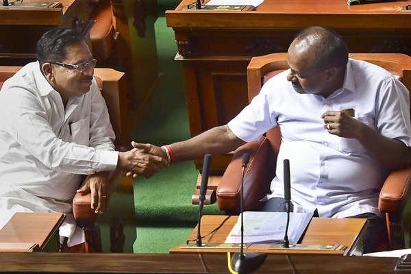 कर्नाटक में मंत्री बनने के लिए खींचतान, कुमारस्वामी ने कहा पोर्टफोलियो को लेकर हैं कुछ दिक्कतें