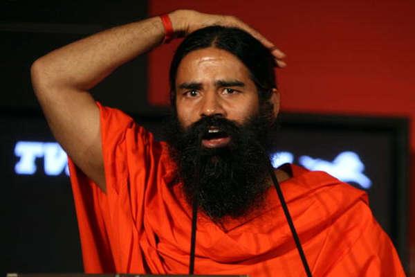 अंतरराष्ट्रीय योग दिवस के पोस्टर में खट्टर सरकार ने नहीं दी बाबा रामदेव को जगह