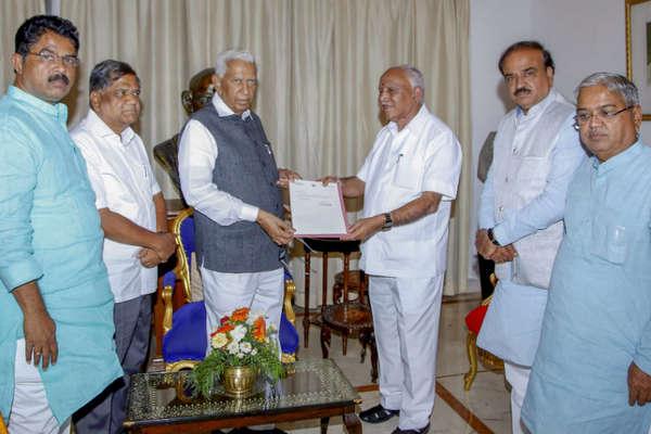 OPINION | 'आकाओं' को खुश करने की कोशिश में अपनी ड्यूटी ही भूल गए कर्नाटक के राज्यपाल