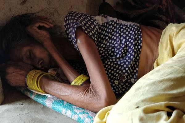 झारखंड में सीरियल किलर बनी भुखमरी, पर इस कड़वी सच्चाई को मानने के लिए तैयार नहीं सरकार