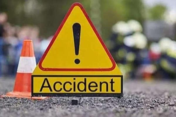 पुणे के शिवाजीनगर में पुल से नीचे गिरा ट्रक, दो की मौत