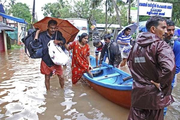 केरल बाढ़ LIVE: राहत शिविरों में 10 लाख लोग, बुरा वक्त अभी बीता नहीं है- केजे एल्फोंस