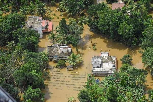 केरल LIVE: शिवसेना सांसद-विधायक बाढ़ पीड़ितों को देंगे एक महीने की सैलरी