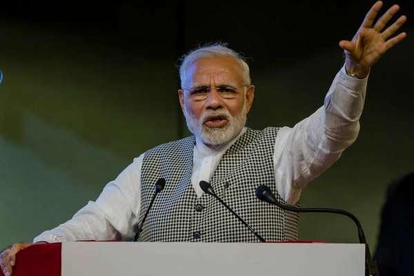 पाक मंत्री का दावा- पीएम मोदी ने इमरान ख़ान को दिया बातचीत का न्योता; भारत ने किया खंडन