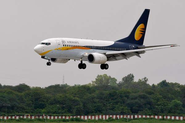 सीनियर स्टाफ, पायलटों को सैलरी नहीं दे पाने पर जेट एयरवेज ने मांगी माफी
