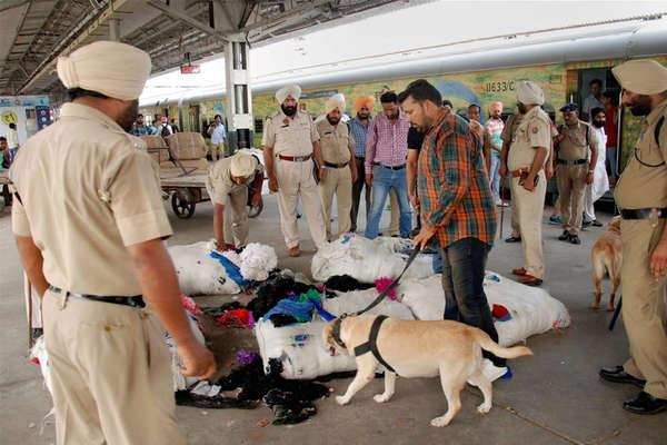 पंजाब में घुसे 7 जैश आतंकी, दिल्ली परबड़े हमले की आशंका: खुफिया विभाग