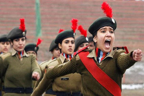 अब मिलिटरी पुलिस में भी होंगी महिला जवान, रक्षा मंत्री सीतारमन का ऐलान
