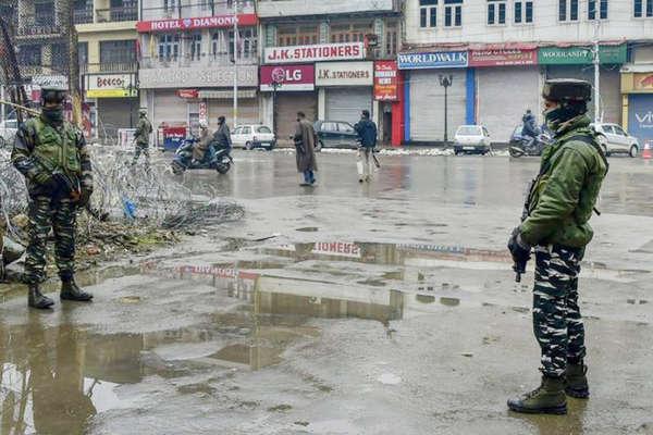 पुलवामा हमला: जम्मू में भड़की हिंसा, सांप्रदायिक दंगे की आशंका के चलते लगा कर्फ्यू