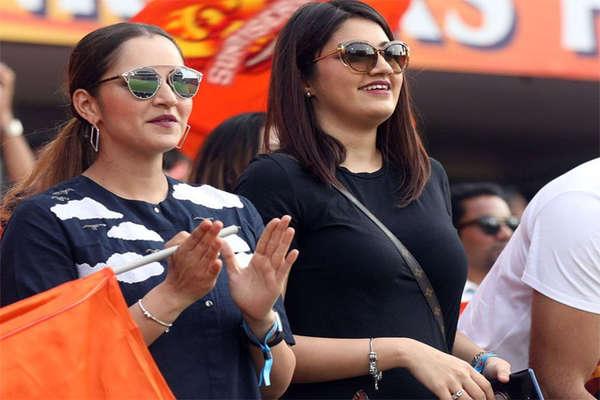 सानिया मिर्जा की बहन को डेट कर रहा अजहर का बेटा! IPL मैच में दिखे साथ