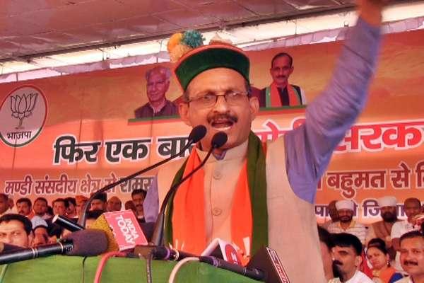 सतपाल सत्ती के विवादित बोल- BJP पर उंगली उठाई तो काट डालेंगे हाथ!