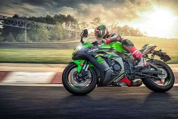 Kawasaki ने लॉन्च की 2019 Ninja ZX-10R, कीमत 13.99 लाख रुपये