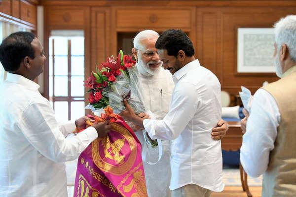 स्पेशल स्टेटस की मांग पर बोले जगन, BJP की 250 सीटें आती तो..