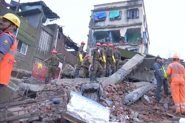 भिवंडी में भरभराकर ढह गई 4 मंजिला इमारत, 2 की मौत, 5 लोग घायल