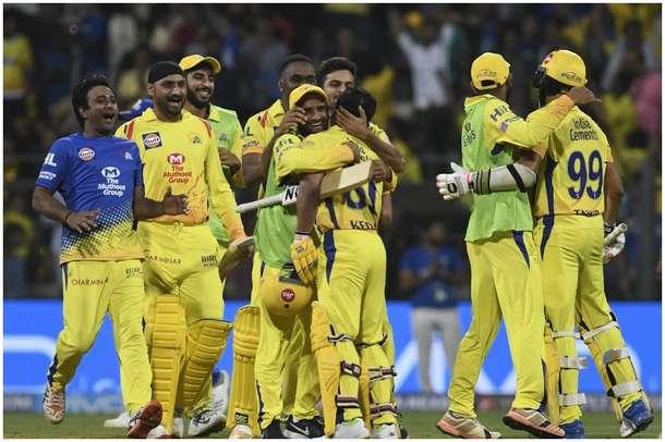 VIDEO-IPL के 'सुपर किंग' धोनी की चेन्नई करेगी सबसे बड़ी वापसी