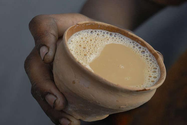 पत्ती की जगह डाला कीटनाशक, चाय पीने से 3 की मौत