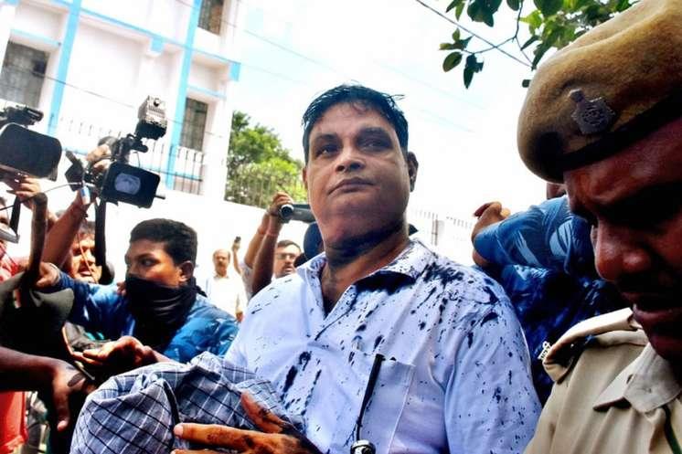 Exclusive: ब्रजेश ठाकुर के NGO का कच्चा चिट्ठा, गवर्निंग बॉडी में पत्नी, भाई, साला, मौसा