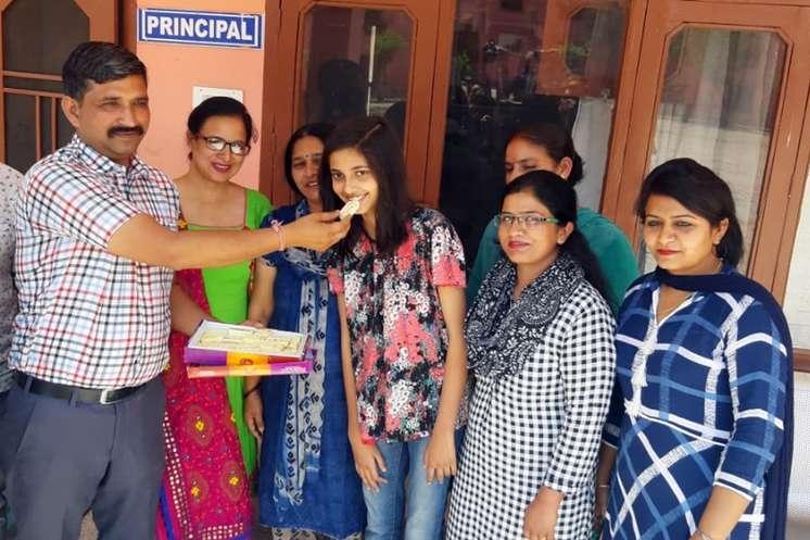 Breaking: हिमाचल बोर्ड का 12वीं का रिजल्ट घोषित, ऊना की बेटी अशमिता ने किया टॉप